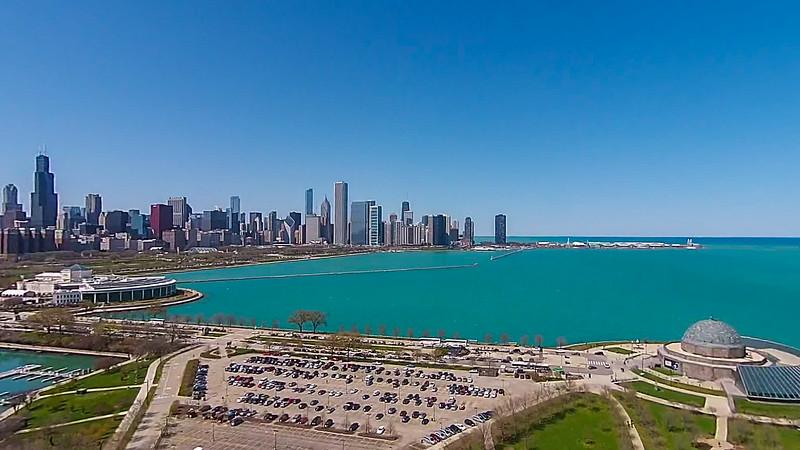 Shedd Aquarium, Adler Planetarium & Chicago Skyline (Chicago, IL USA)