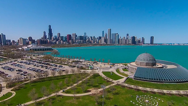 Adler Planetarium, Shedd Aquarium & Chicago Skyline (Chicago, IL USA)