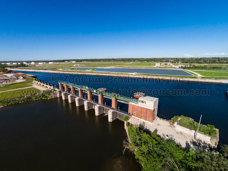 Bear Trap Dam on the Sanitary & Ship Canal (Lockport, IL USA)