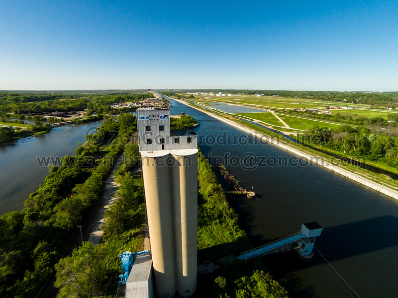 Grain Elevator on Sanitary & Ship Canal & Des Plaines River (Lockport, IL USA)