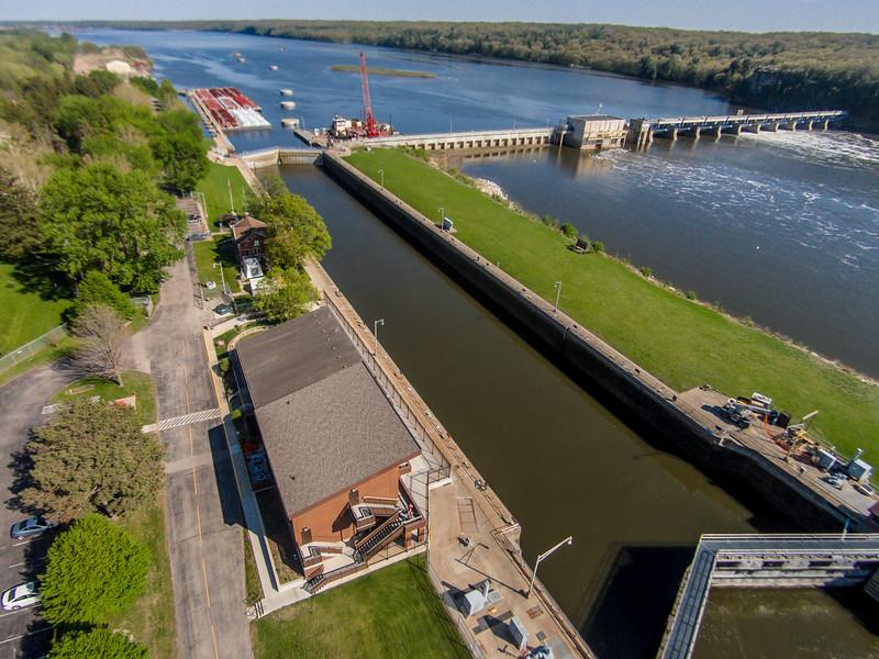 Starved Rock Lock and Dam (Utica, IL USA)