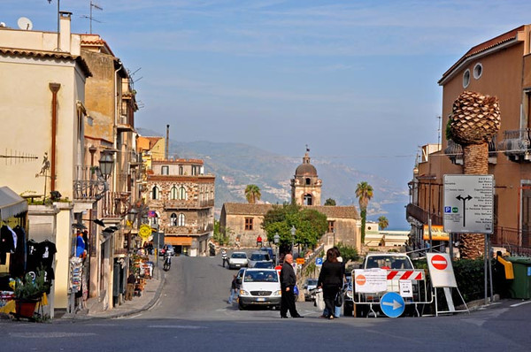 street scene, Taomina, Sicily, Italy