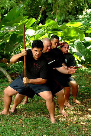 lua students practice with various weapons (113)