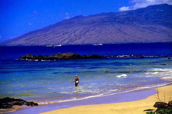 Kamaole Beach, Kihei, Maui (West Maui Mts. in bkgd.)