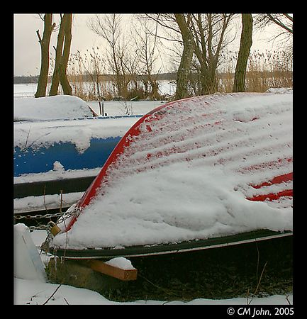 <H2><b>Frozen boats</b></H2> <P ALIGN=LEFT>These boats won't sail on the Fahrländersee before summer comes back.<P>
