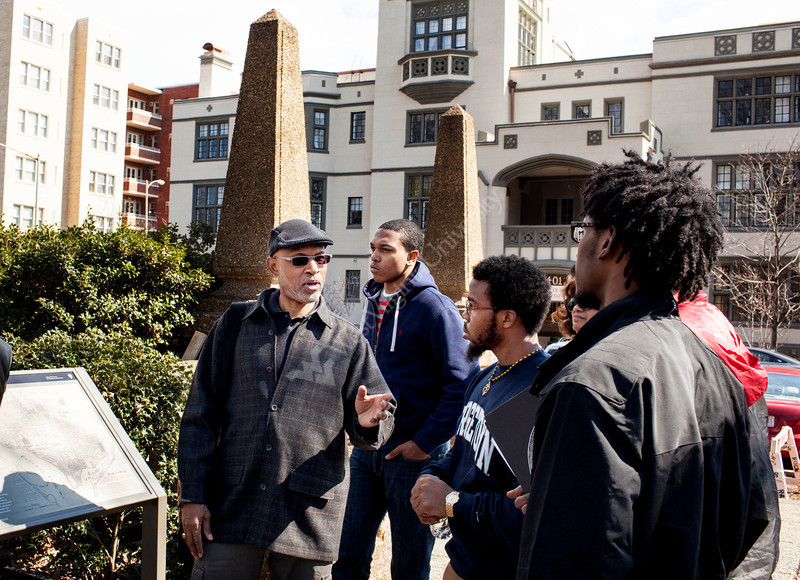 Anthony Browder speak to WVU students about the influence of African culture on the development and design of Washington D.C. during WVU's Center for Black Culture and Research trip.<br /> <br /> Photo by Raymond Thompson