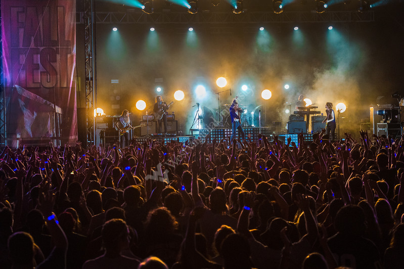 Matt Shultz lead singer for Cage the Elephant performs at WVU Fall Fest 2017. Matt Shultz encourages understanding and peace via music, August 15, 2017. Photo Greg Ellis