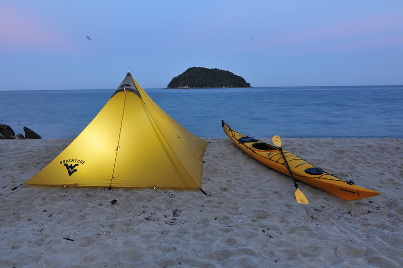 ORIGINAL - FIJ_0546 - Adventure New Zealand: sea kayaking in Abel Tasman National Park<br /> Photo from Forrest Schwartz