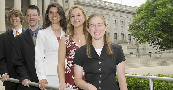 BUCKET - 2008 Foundation Scholars Mark James, Steven Robison, Brittany Ratcliff, Paige Parrack, and Katie Horacek at the state Capitol