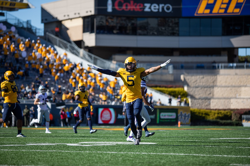 WVU cornerback Dreshun Miller celebrates breaking up a pass during WVU's home game against Kansas State, Oct. 31, 2020. Photo: Corbin Mills