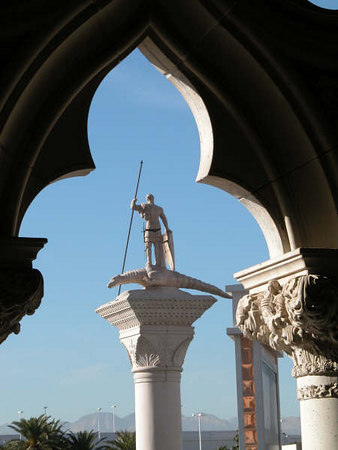 Venetian arch and statue 2