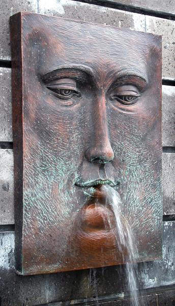 Mexico 2005_08_ fountain