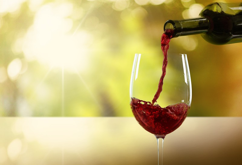 How to Choose a Good-Quality, Healthy Wine - dreamstime m 62446040 L
