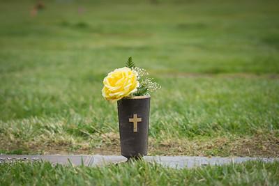 Graveside Flowers for Memorial
