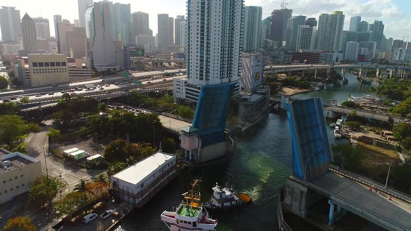 Aerial cargo ship Miami River