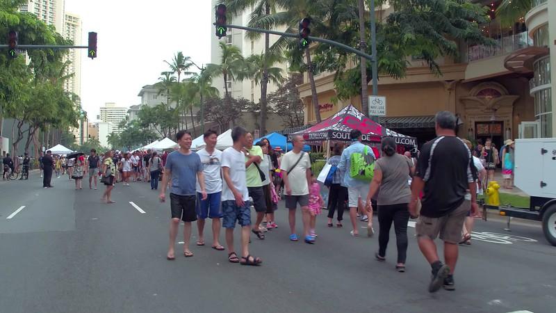 Stock video Waikiki Beach street festival