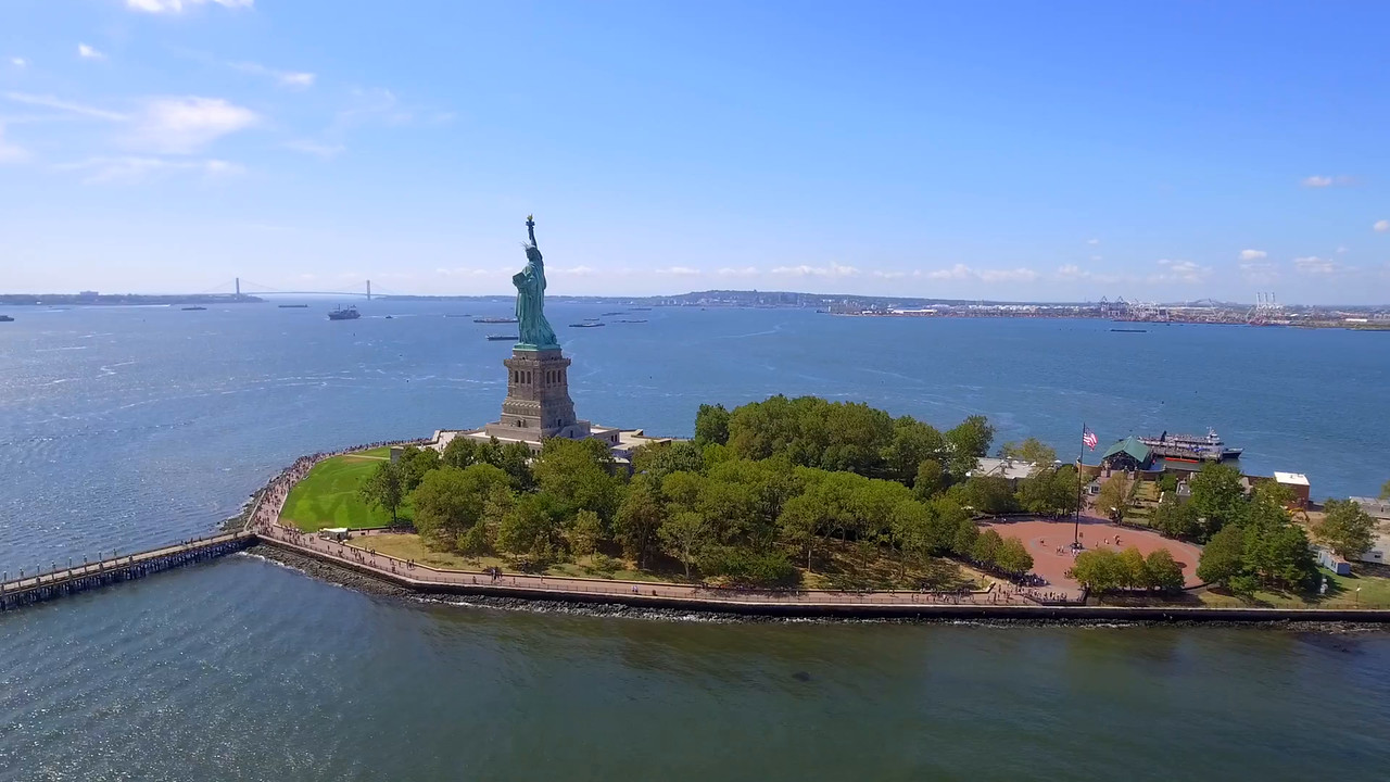 Helicopter tour Statue of Liberty New York