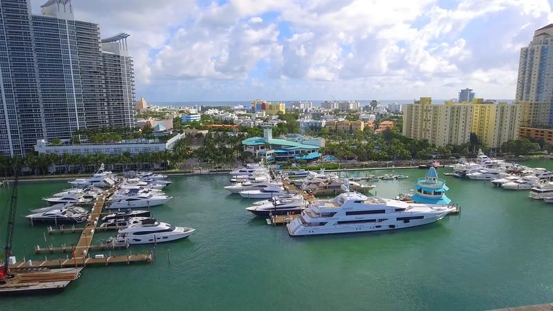 Sped up flight Miami Beach aerial marina