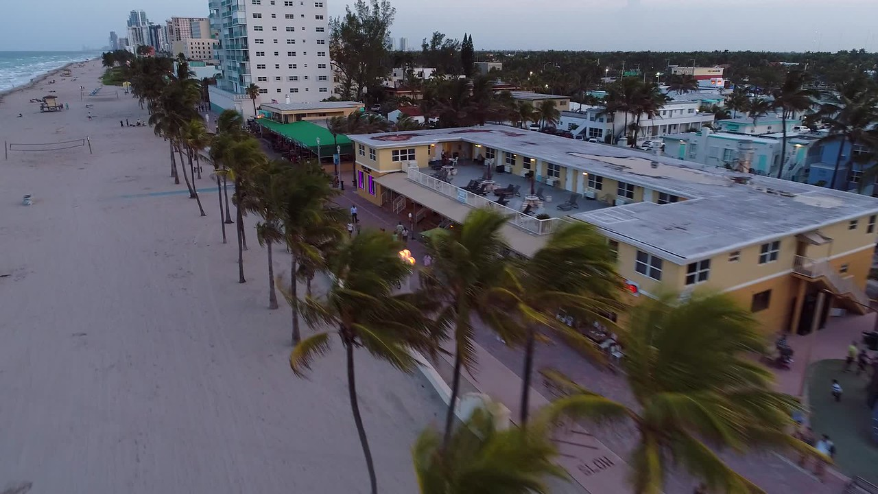 Aerial footage 4k 60p Hollywood Beach Florida shot with phantom 4 pro drone