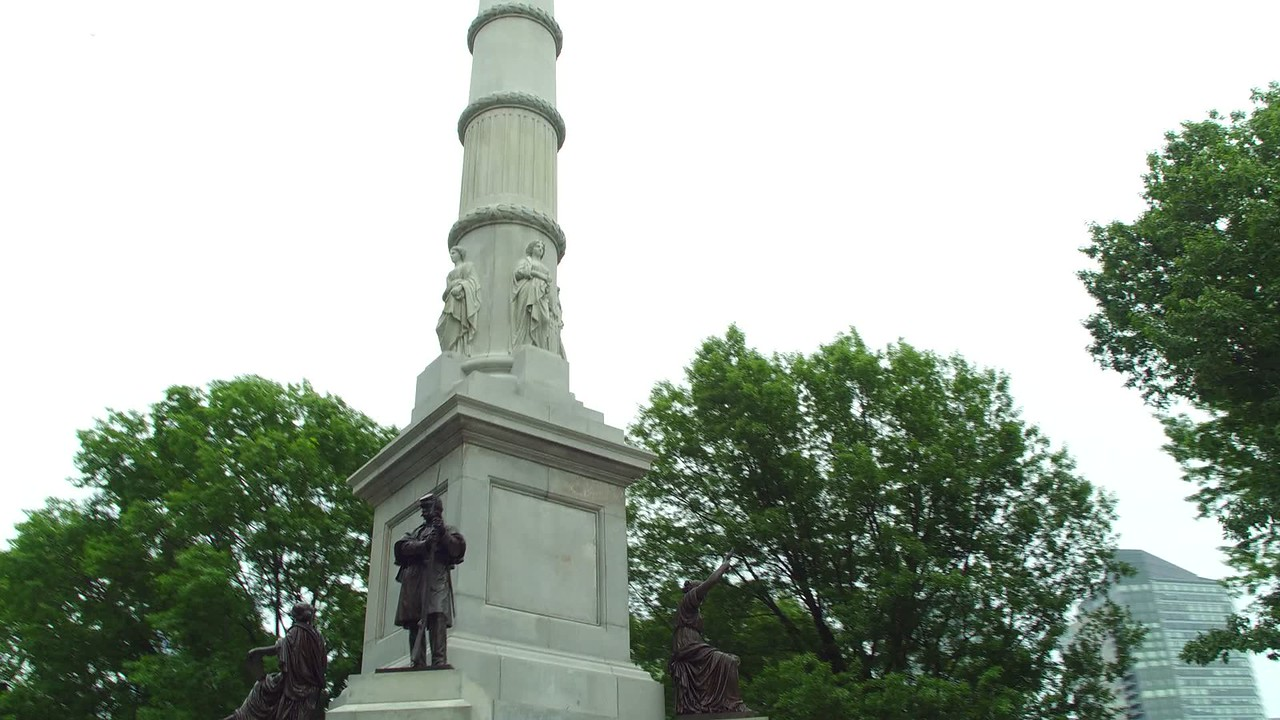 Soldiers and Sailors Monument Boston Common orbit 4k