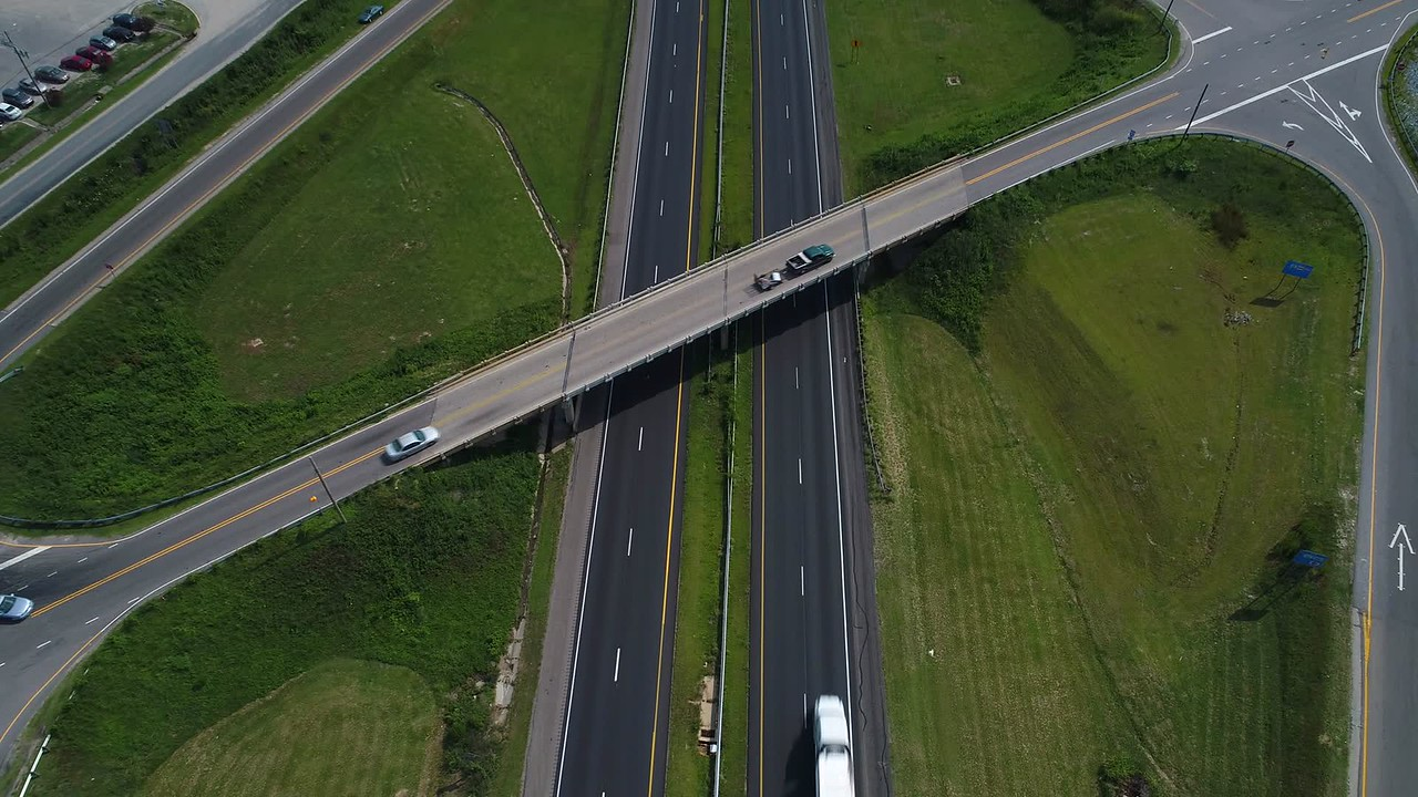 Aerial reveal I95 Interstate highway North Carolina