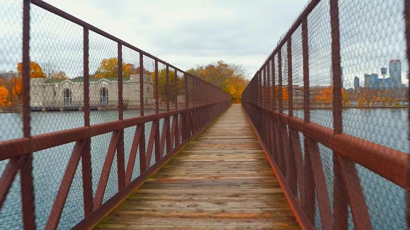 Pedestrian foot bridge over the Niagara River