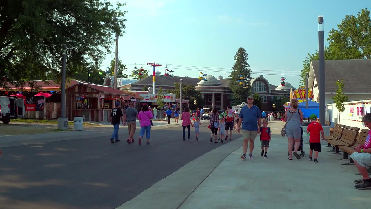 Touring the Iowa State Fair 4k