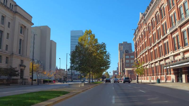 Driving through urban Cincinnati Ohio 4k