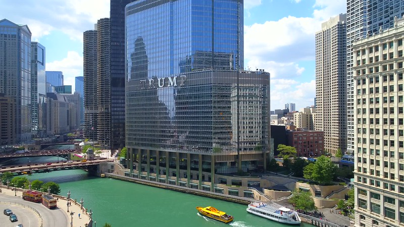 Trump International Chicago River 4k 60p