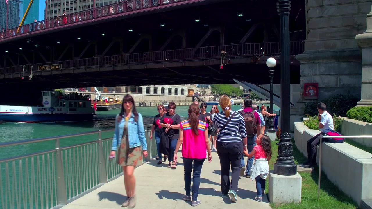 Motion video Chicago Riverwalk 4k