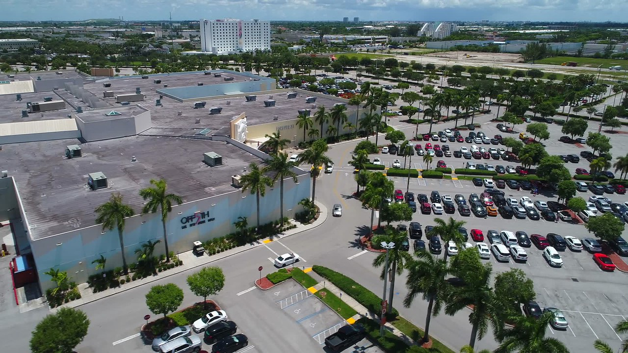 Aerial video Dolphin Mall entrance 4