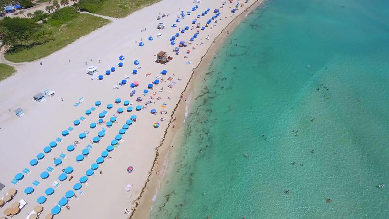 Tourists love Miami Beach aerial video