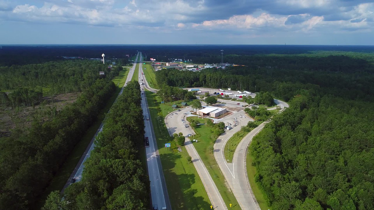 Aerial video Hardeeville Georgia rest stop I95 4k 30p