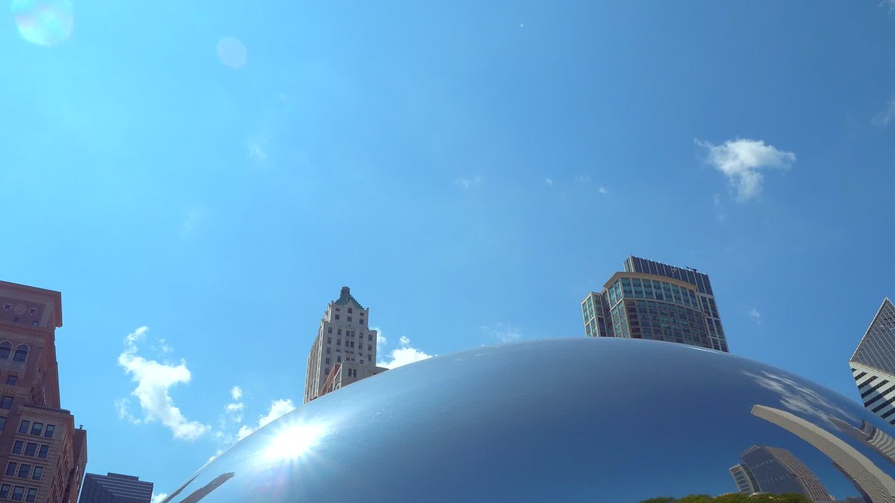 Gimbal stabilized video Chicago Cloud Gate reflecting buildings