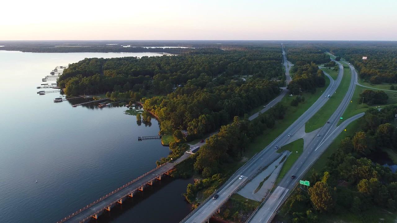 Aerial video Scotts Landing homes on Lake Marion South Carolina 4k