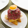 tartar with bread and egg