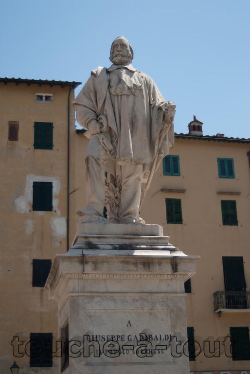 Statue of Garibaldi, Lucca
