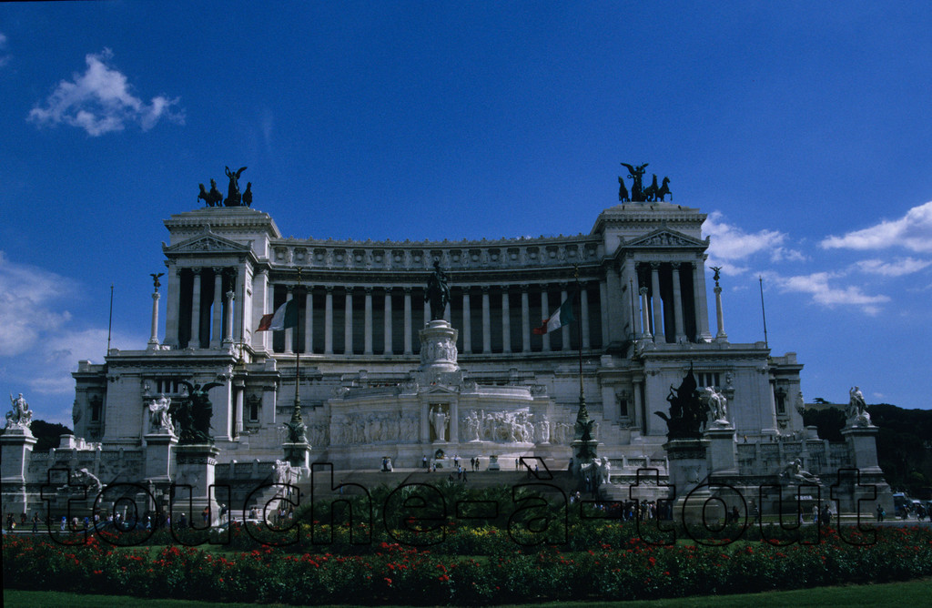 'The Typewriter' monument to King Vittorio Emanuele II in Piazza Venezia, Rome<br /> 'The Typewriter' monument to King Vittorio Emanuele II in Piazza Venezia, Rome