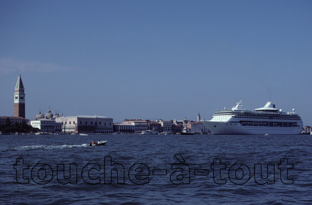 A cruise liner dwarfing Venice