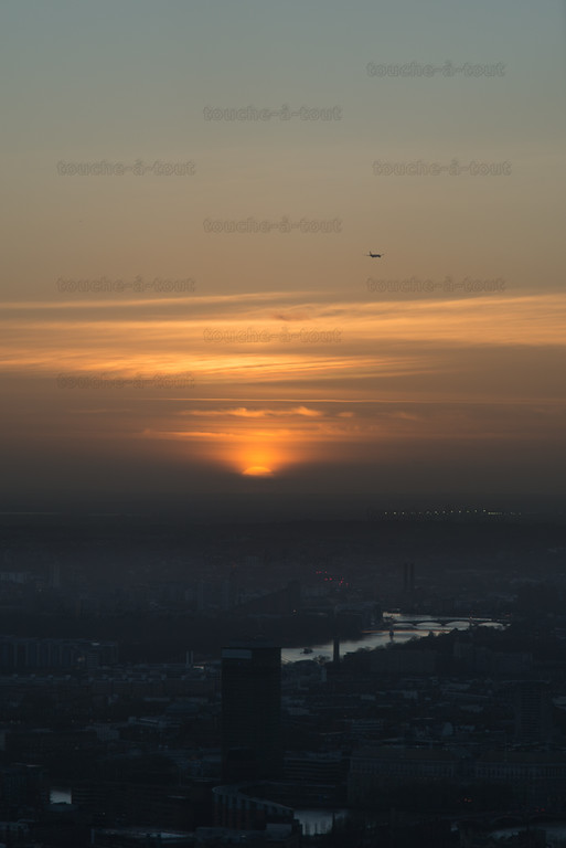 Flight into the sunset over west London, from the Shard
