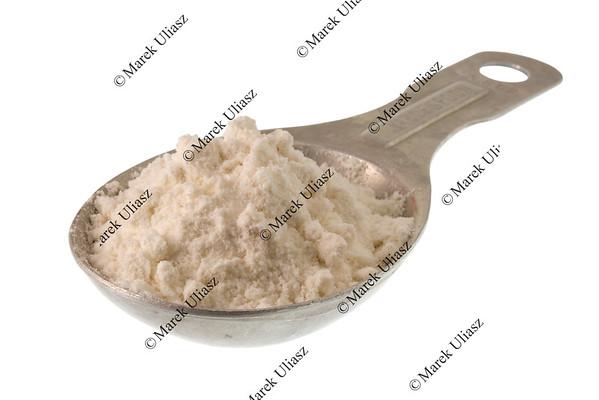 tablespoon of white wheat flour or other powder