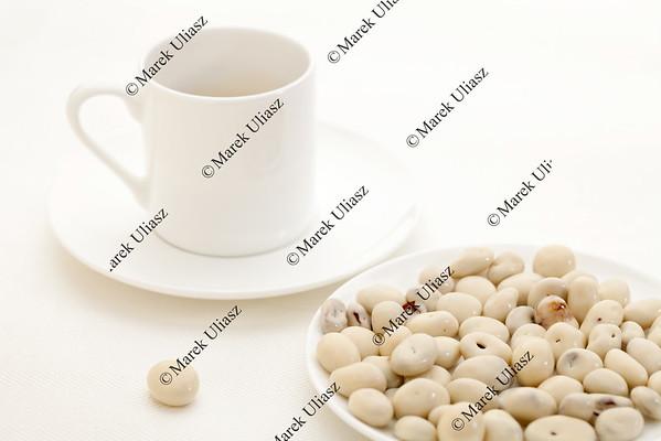 yogurt raisins and coffee