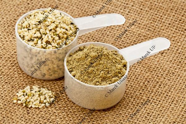 hemp protein powder and seeds