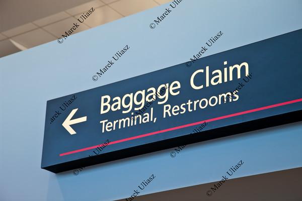 baggage claim sign