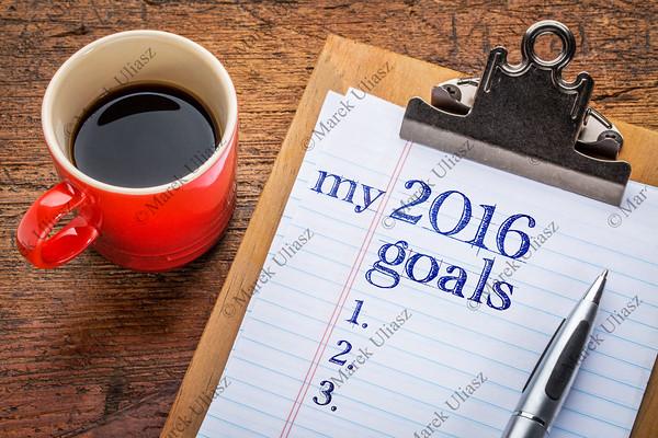 2016 goals on blackboard on clipboard