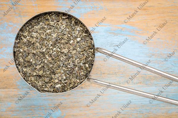 wakame seaweed in metal scoop