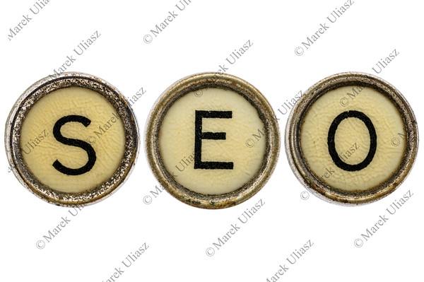 SEO acronym in typewriter keys