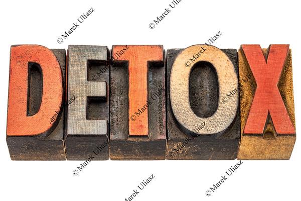 detox word in wood type