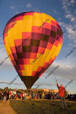 preparing hot air balloon for launch