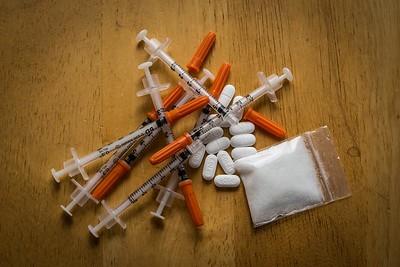 (R) Drugs10 2_01